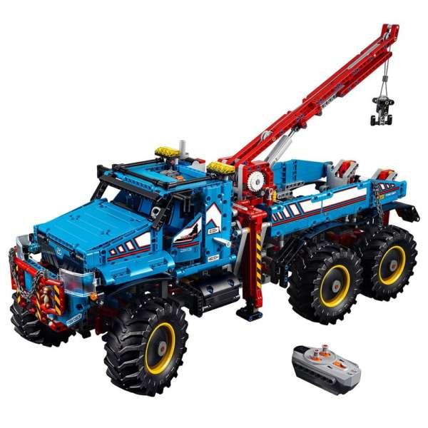 LEGO Technic 6×6 All Terrain Tow Truck 42070